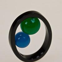 anello-in-plexi-con-giade-titolo-pianeti